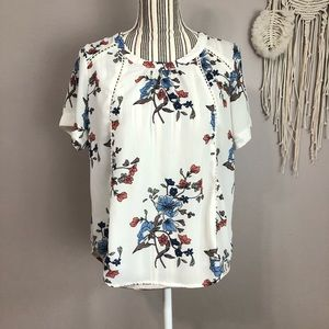 Sienna Sky Small cream blouse with floral print